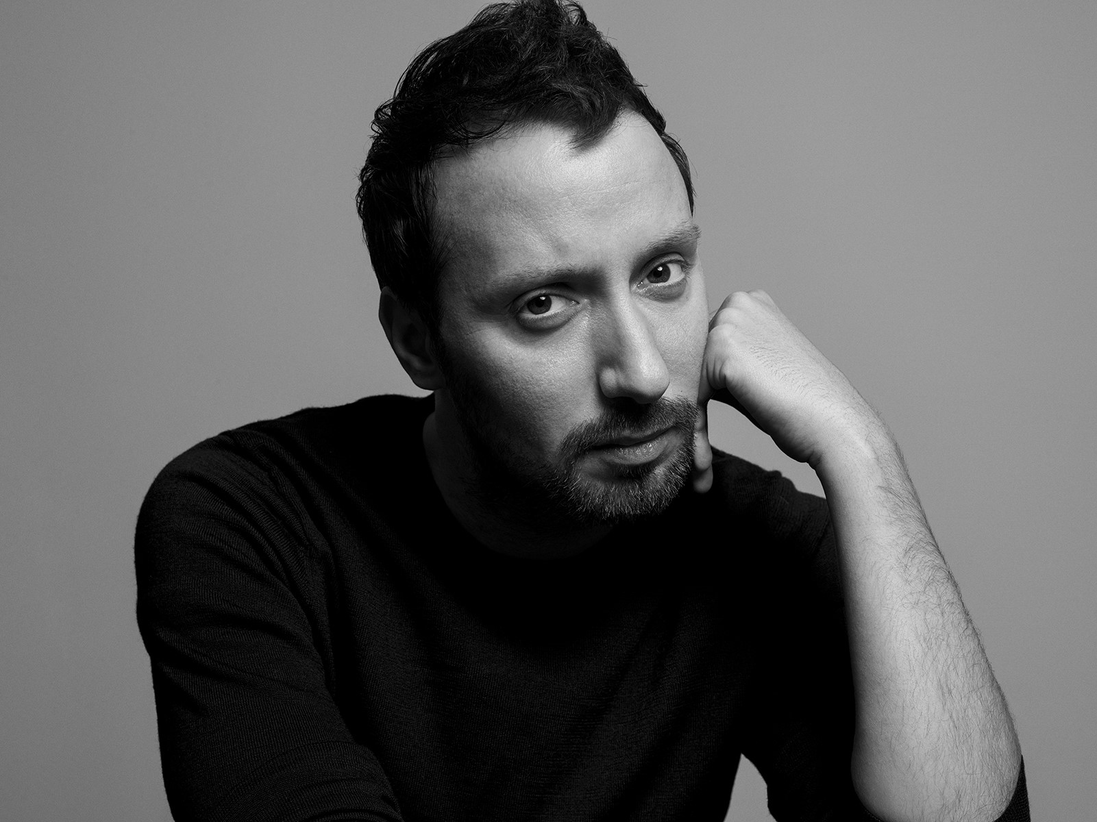 Hedi Slimanes Nachfolger Anthony Vaccarello. Foto: Inez and Vinoodh