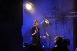 Suzanne Vega singt ihren großen Hit Luka. Foto: Kobalt Productions